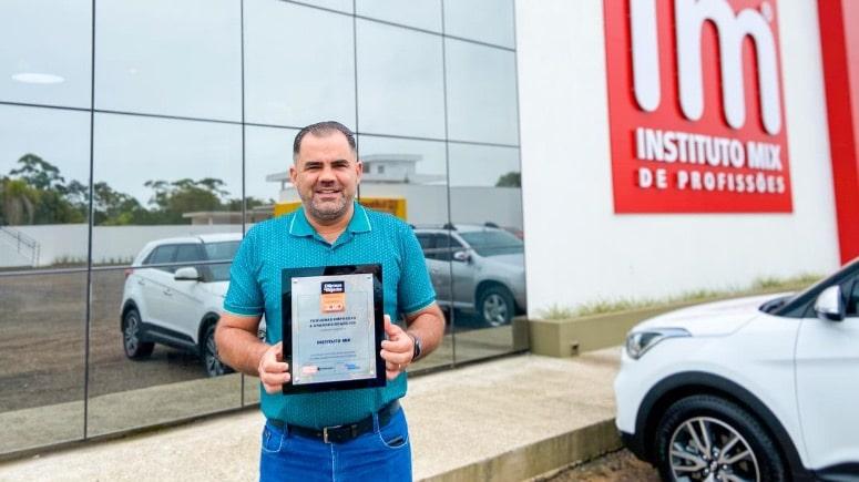 Instituto Mix celebra sétimo prêmio da PEGN